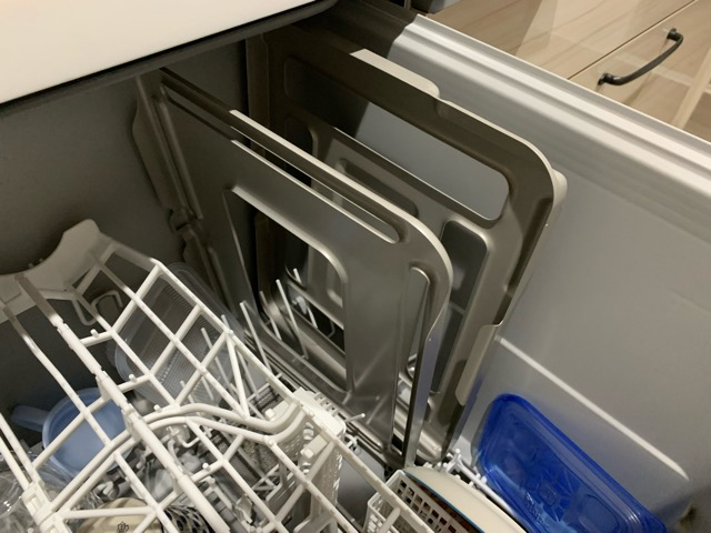 ラクウォッシュプレートを食洗機に入れた様子(洗った後)